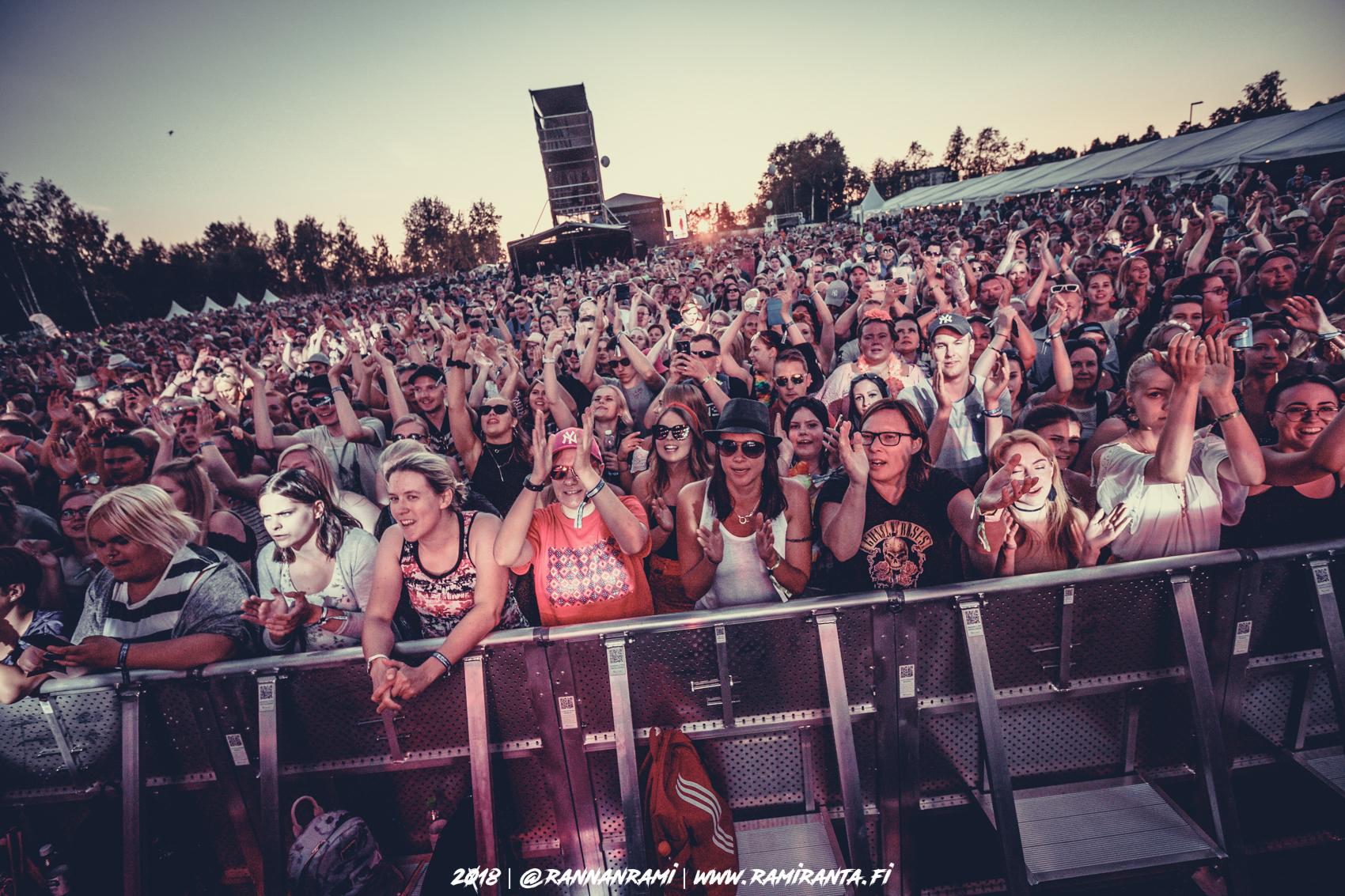 Kesäfiiliksiä! Suomipop festivaali oli silkkaa lovee! – Kuvafiilistely